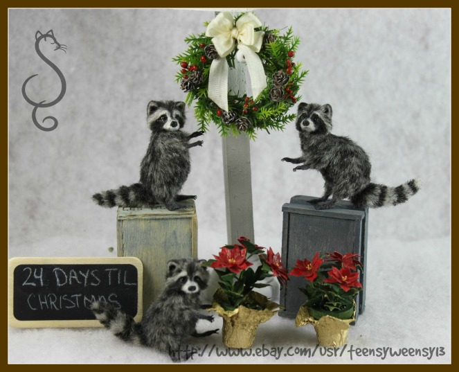 Raccoons and  Christmas Wreath_Decorating for Christmas_0001