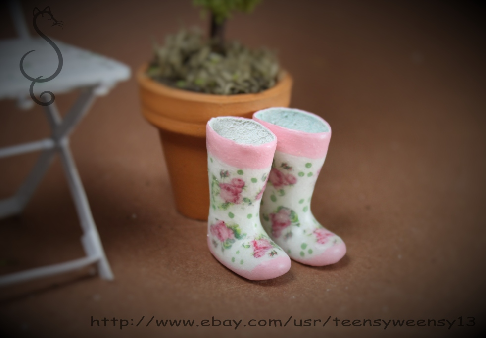 Pink Roses Wellies